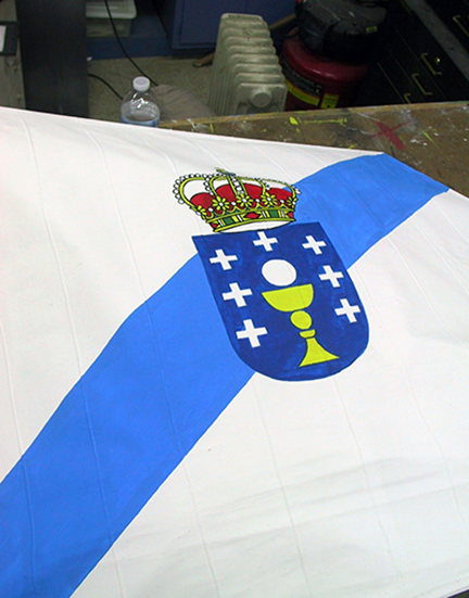 spanish-galleon-reconstruction,-by-john-rivera-resto,-2012,-Detail-of-painted-flag-shield