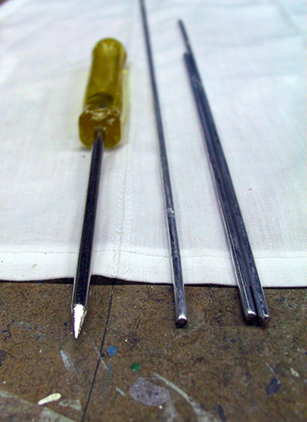 spanish-galleon-reconstruction,-by-john-rivera-resto,-2012,-metal-rods-for-seam-pockets