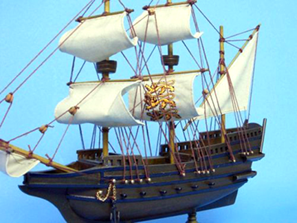 spanish-galleon-reconstruction,-by-john-rivera-resto,-2012,-simple-scaled-model-of-an-elizabethean-ship