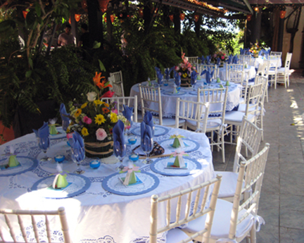 john-rivera-resto-and-nancy-lewis-wedding,-tables-ready-for-guests